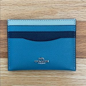 New coach credit card holder